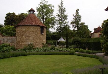Le-Manoir-aux-Quat-Saisons-Tower